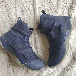 Men's Nike Lebron X Soldier sz 11.5